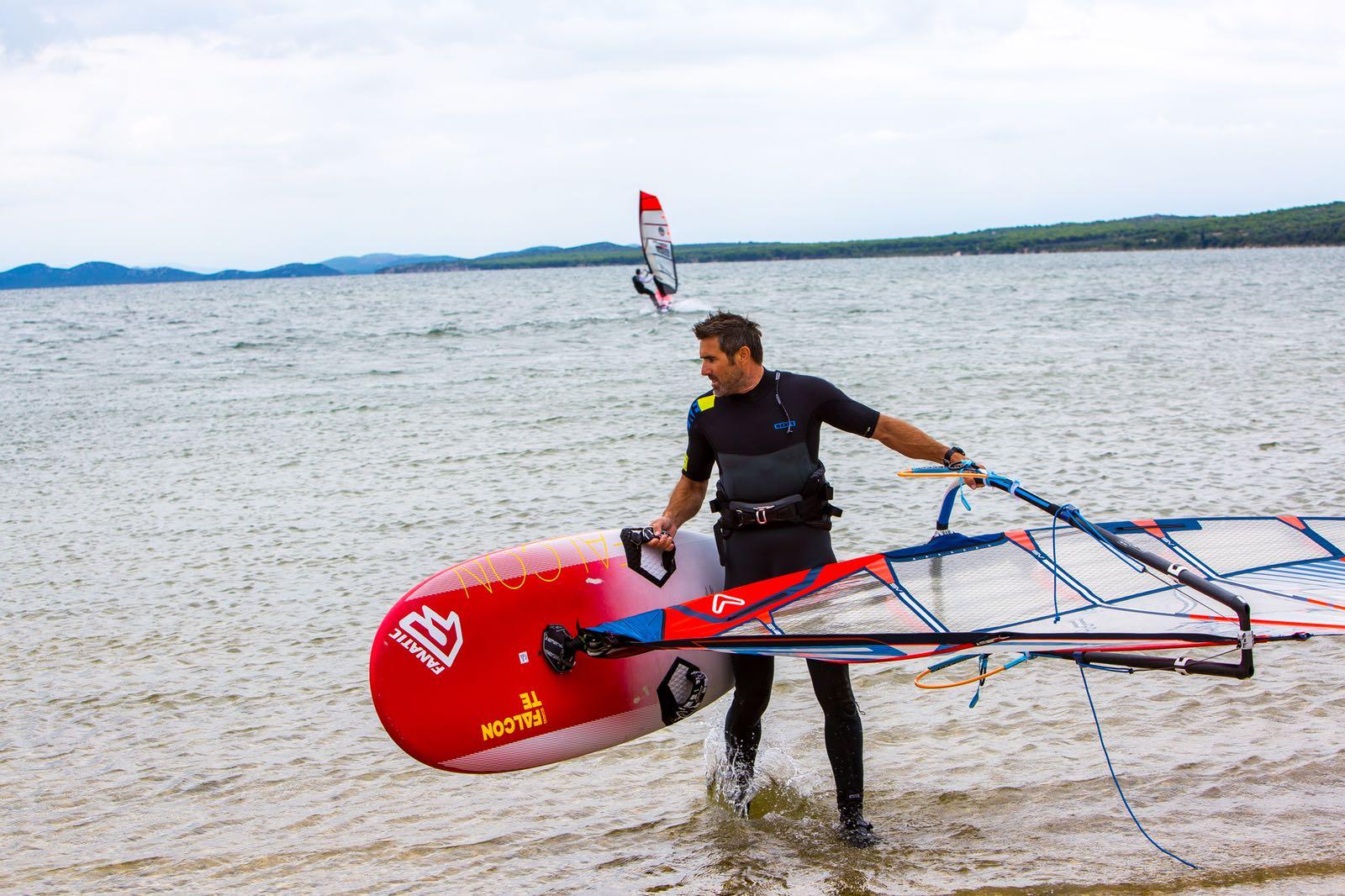 TOP 5 des 'choses à faire' lorsque vous campez sur le lac de Vransko